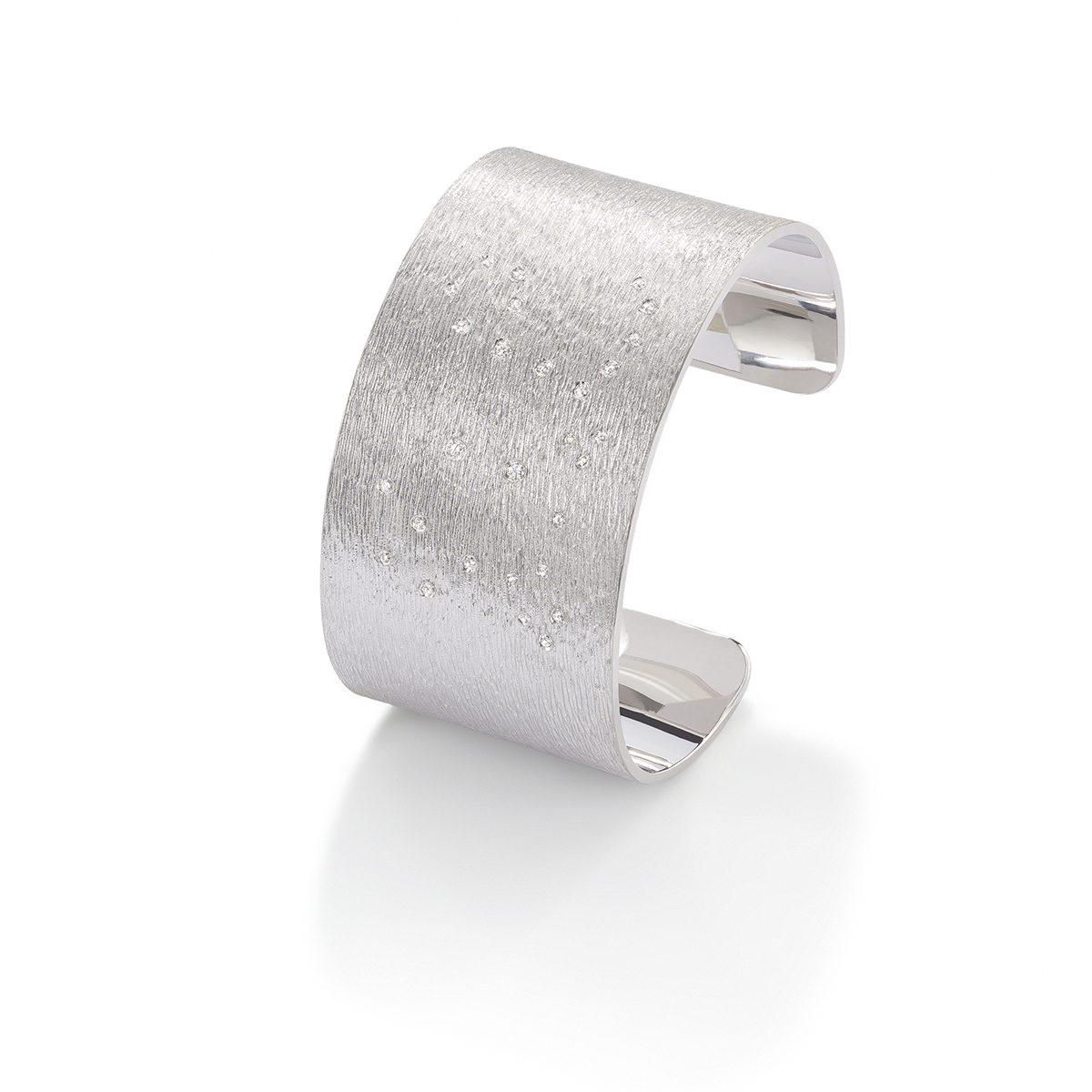 RP550-Cuff-white-gold-diamond